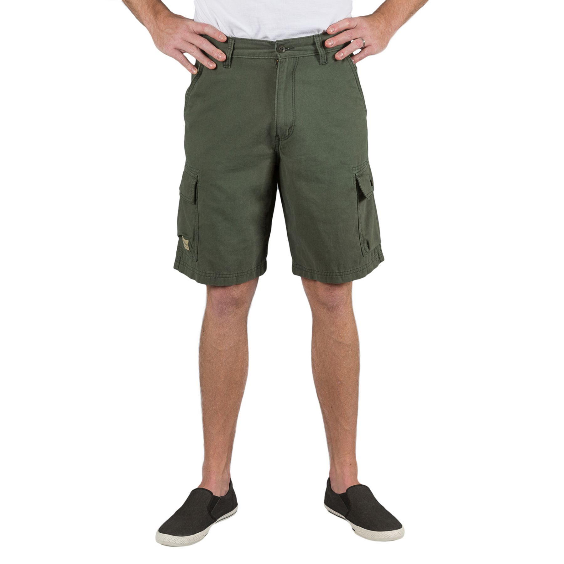 Summer Looks for Men: Cargo Shorts