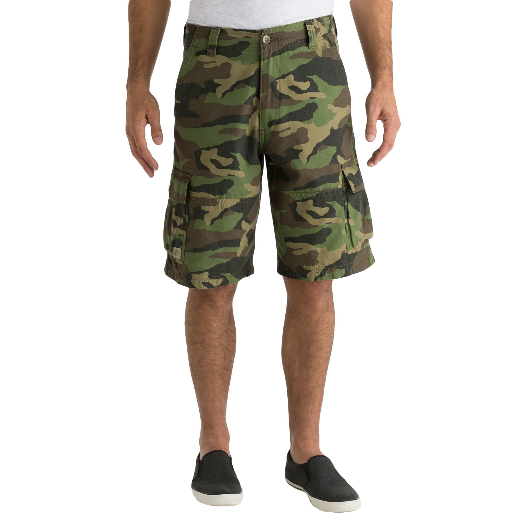 summer looks for men cargo shorts