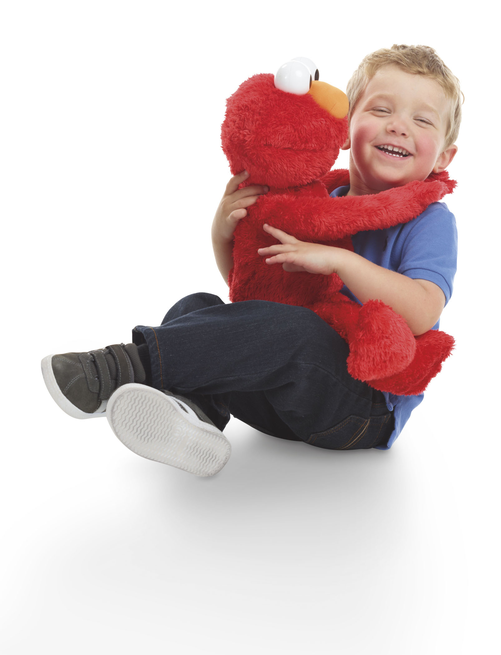 Sesame Street Big Hugs Elmo Lifestyle 1