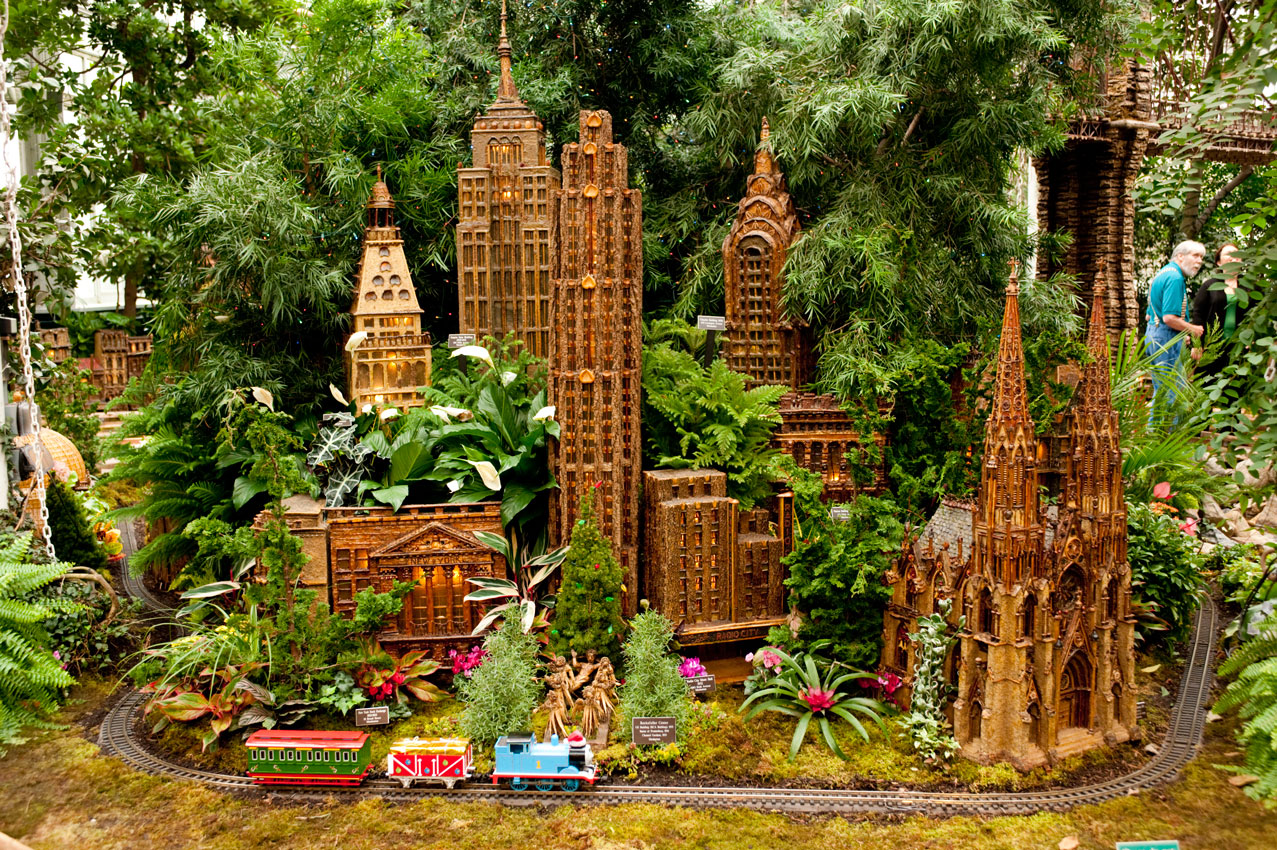 Giveaway: Holiday Train Show at NYBG