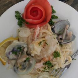 Recipe: Scallop & Clam Linguine in a White Wine Beurre blanc Sauce